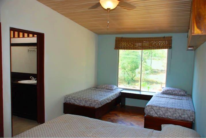 Modern Room with A/C near Tamarindo - Villareal - Lägenhet