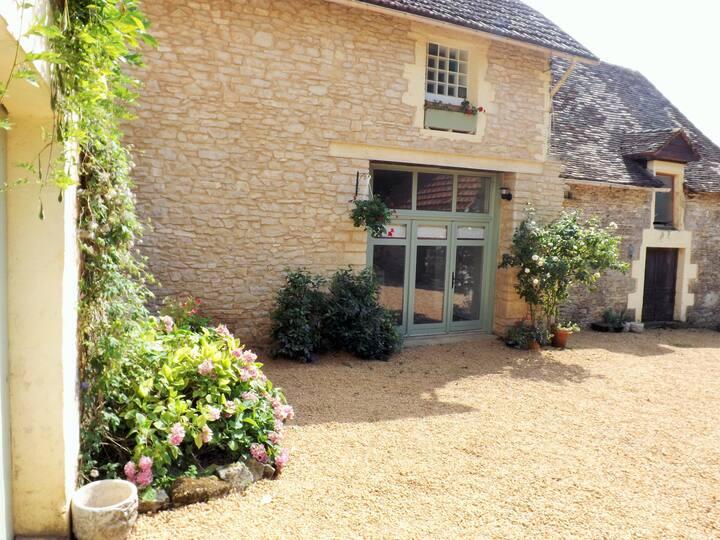 Belle Grange en Pierres rénovée en Dordogne