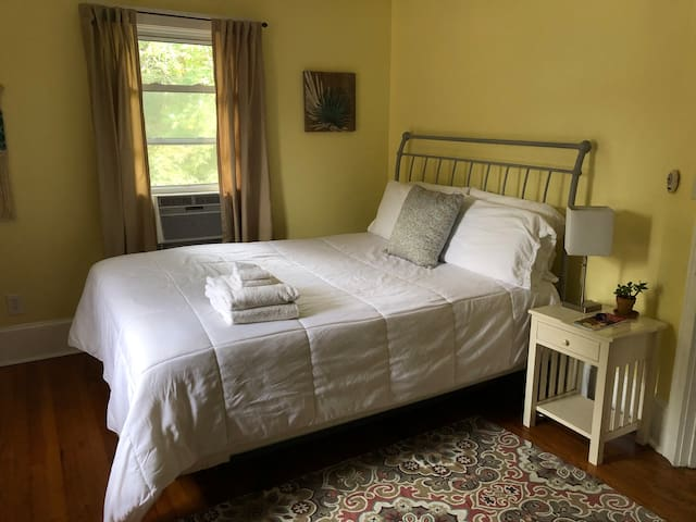 Light Airy West Asheville Room