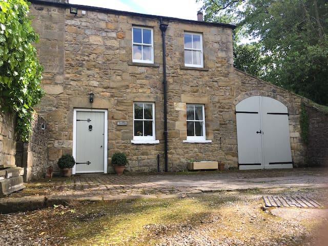 Lovely Georgian Loan End Cottage, Alnwick