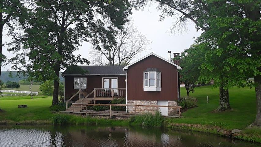 Bella Vista Pond house