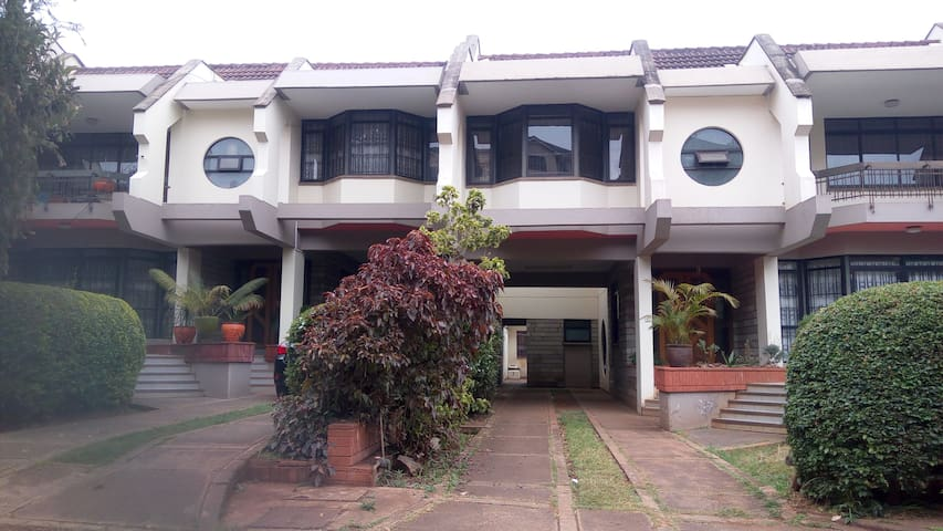 5 Bedroomed Townhouse, Lavington