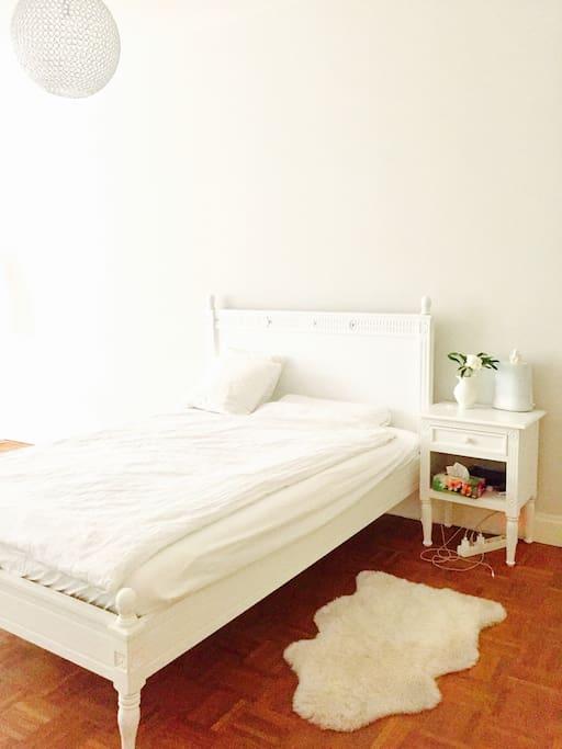 Bedroom - very quiet