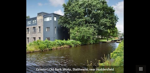 Wonderful canalside apartment in vibrant village