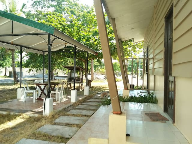 Malapascua Cottage#2 4-6guests with free wifi