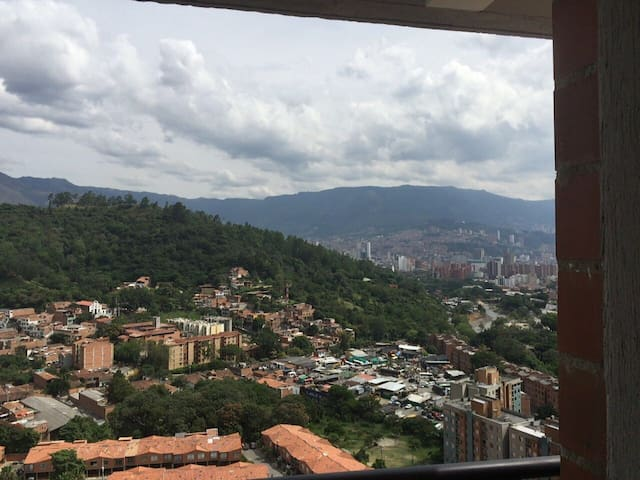 Furnished apartment in colores 3 room nice view - Medellín - Lakás