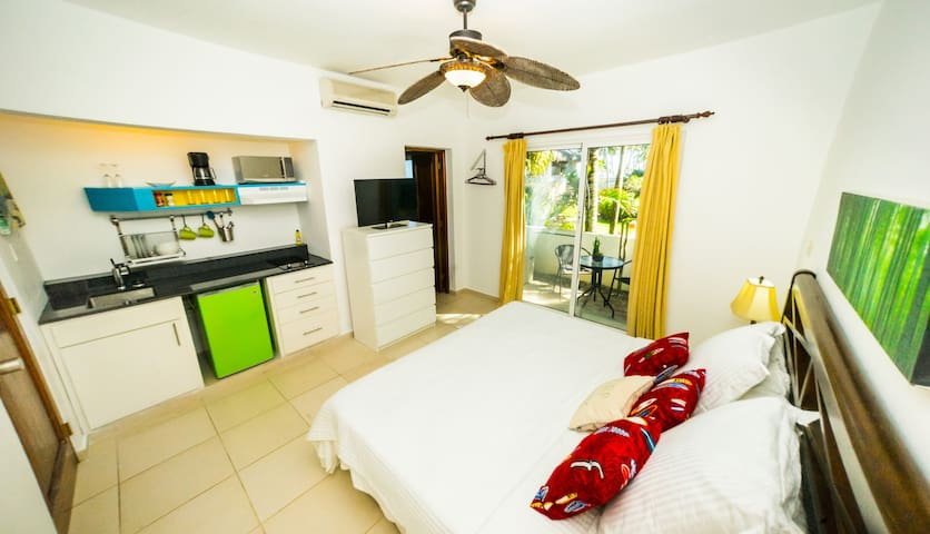 KiteBeach Ground Floor Ocean View Studio + Kitchen - Cabarete - Selveierleilighet