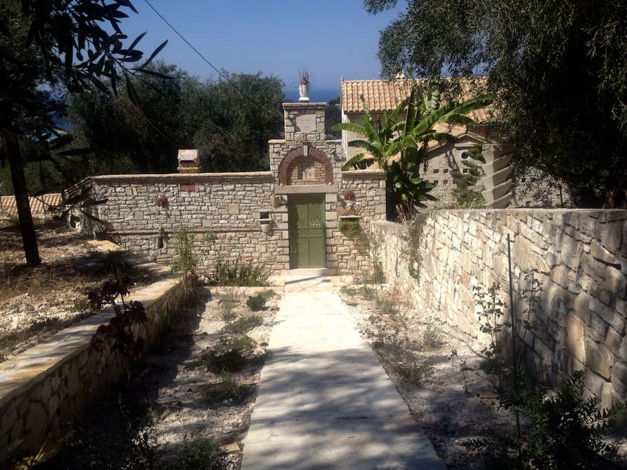 Villa Mevis main entrance - view from the road
