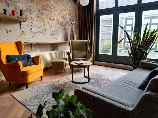 COZY CHIC loft apartment- spacious & very central