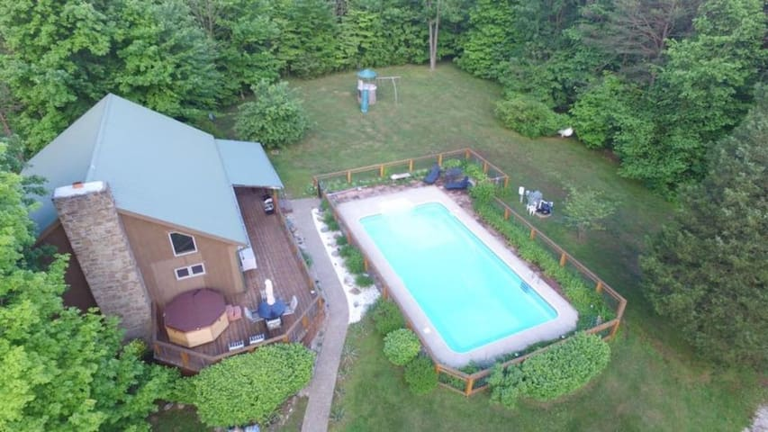 Take a Time Out and relax in luxury, 20 acres of beautiful wooded seclusion!