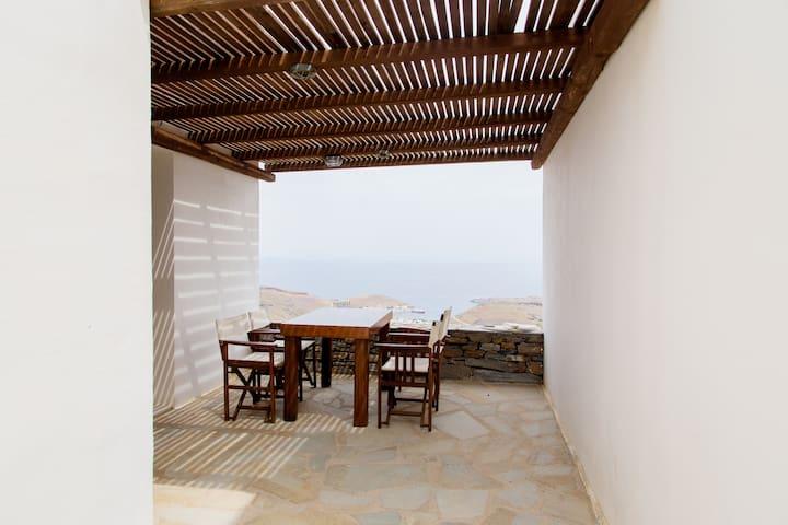 Akontius, Traditional Villa in Kea - Ioulis