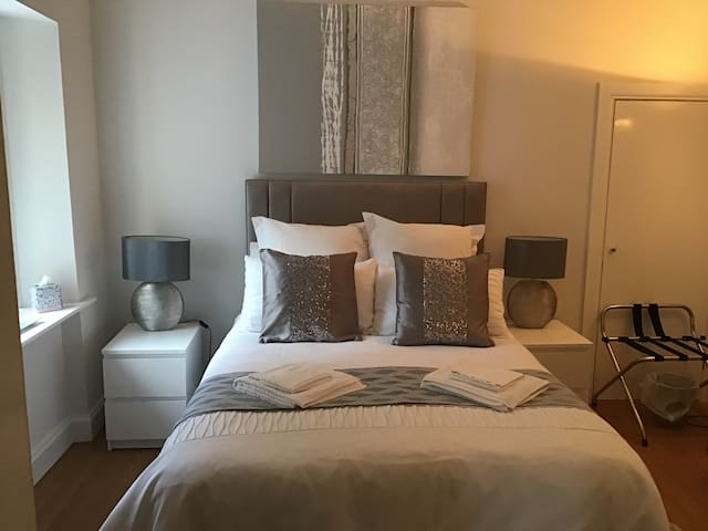 18 Abban Street, Apartment City Centre Room 1