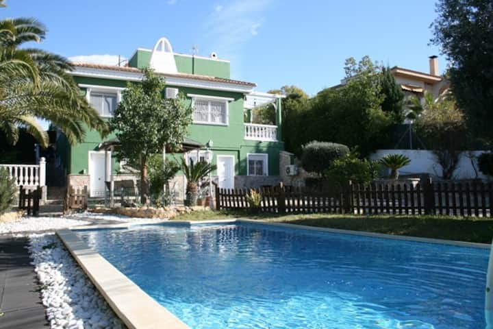 Mutxamel Detached Villa with private pool