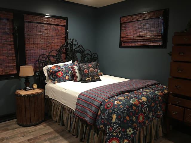 Bohea bedroom. Sleeps 6.
