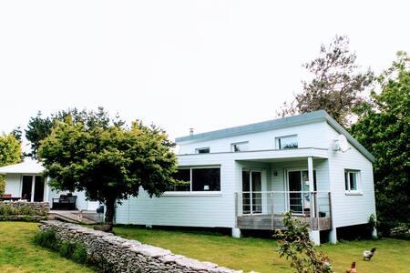 Villa spacieuse proche plages et ports Bigoudens - Treffiagat