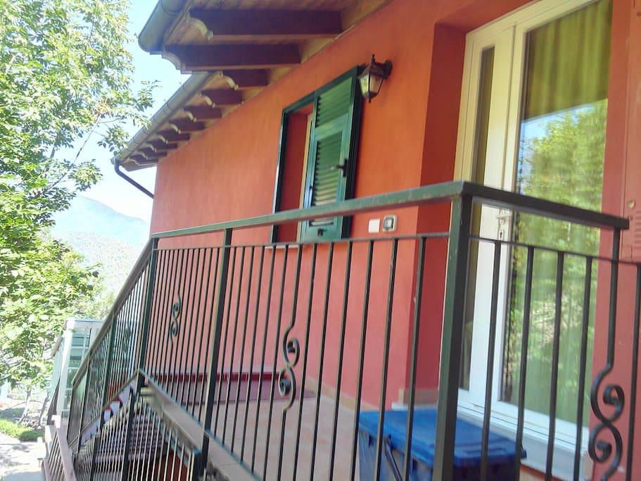scala entrata casa  Rosso Mattone