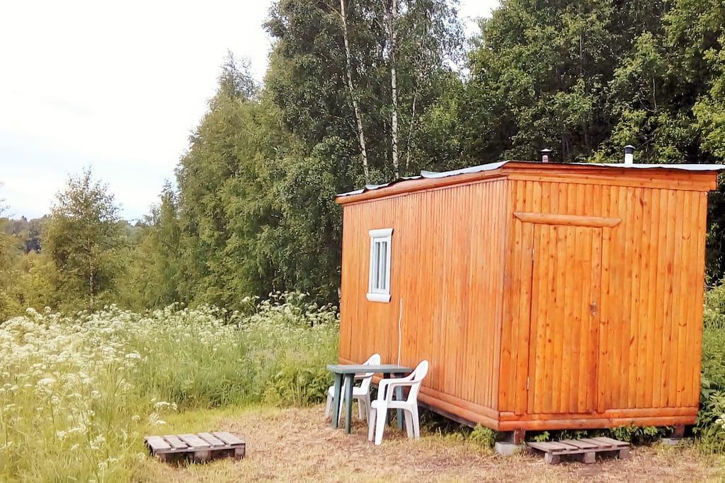 домик № 1 - 12 м2 для отдыха в выходные или даже на саббатикал