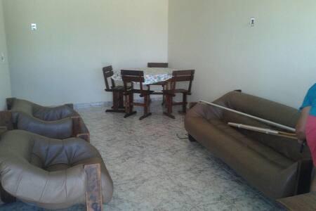 Casa em condomínio fechado em Iguabinha