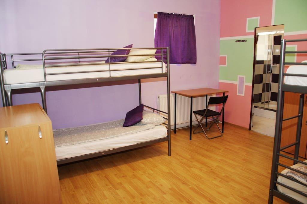 4 Bed Dorm            En-Suite