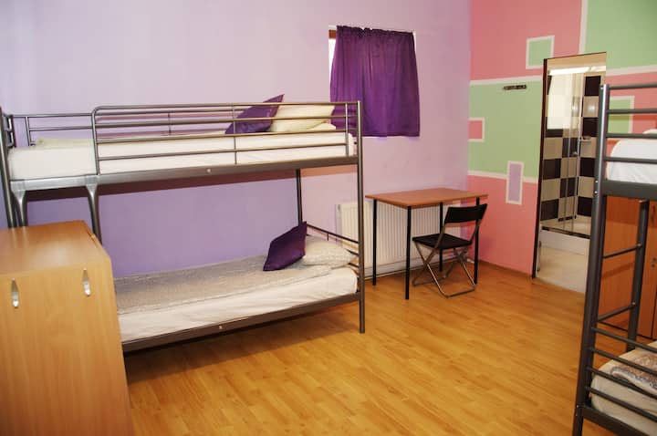 Brasov Central En-suite 4 bed dorm
