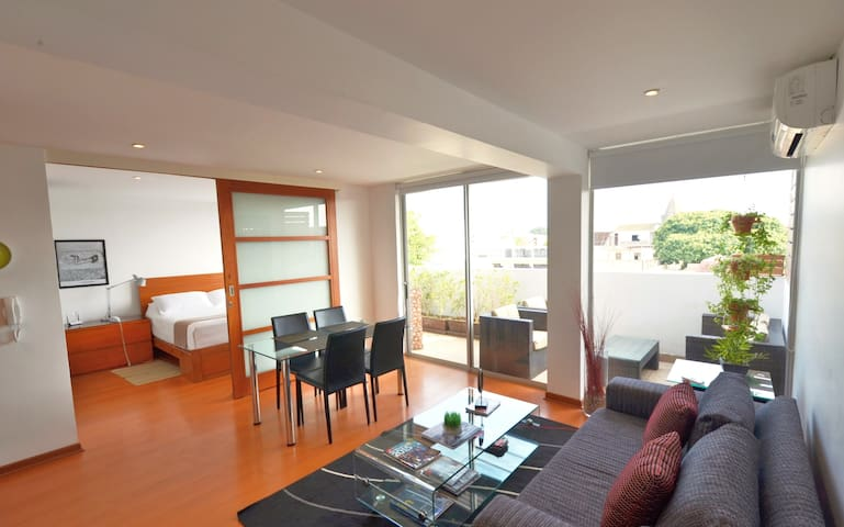 Apartment with terrace in Barranco