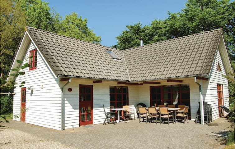 Holiday cottage with 4 bedrooms on 132m² in Toftlund