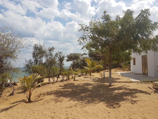 Maison bord de la mer Ambolimailaky (Proche Ifaty)