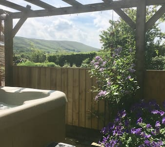 Hot tub, rural, romantic Ribble Valley idyll.