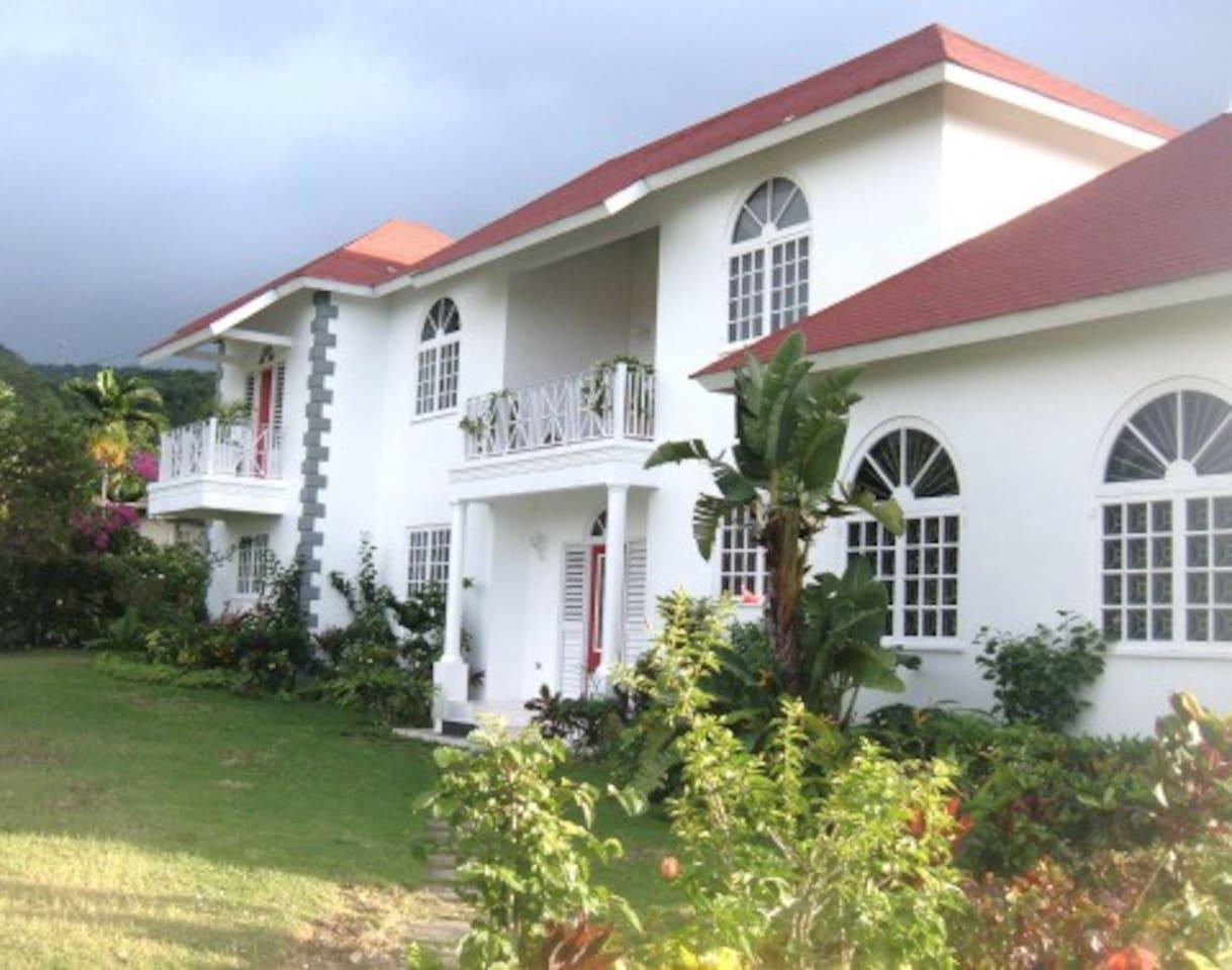 La Casa De Familia -Spacious Jamaican Villa