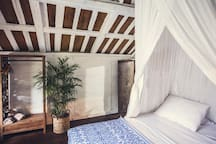 Guest joglo with extra double bedroom and bathroom.