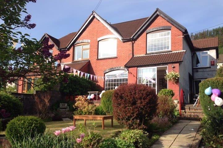 Period house near Cardiff, Brecon, Swansea