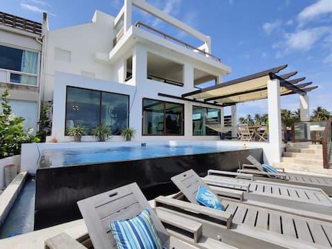 TRUE BEACH HOUSE and Infinity pool