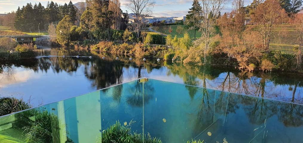Taupo Apartments - Your sanctuary by the water