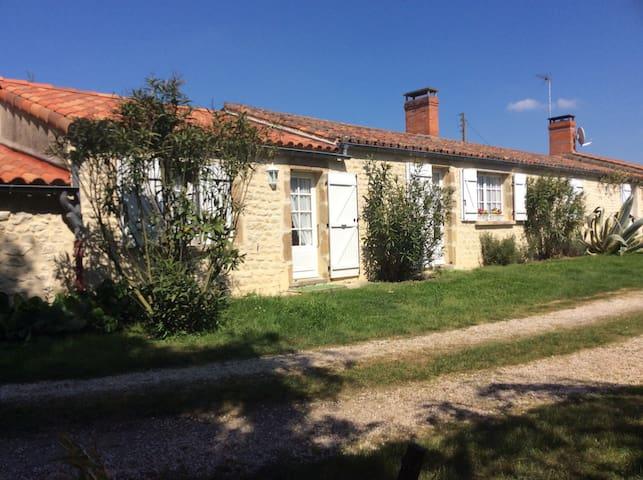 Longère proche des Sables d'Olonne - Saint-Vincent-sur-Jard - Casa