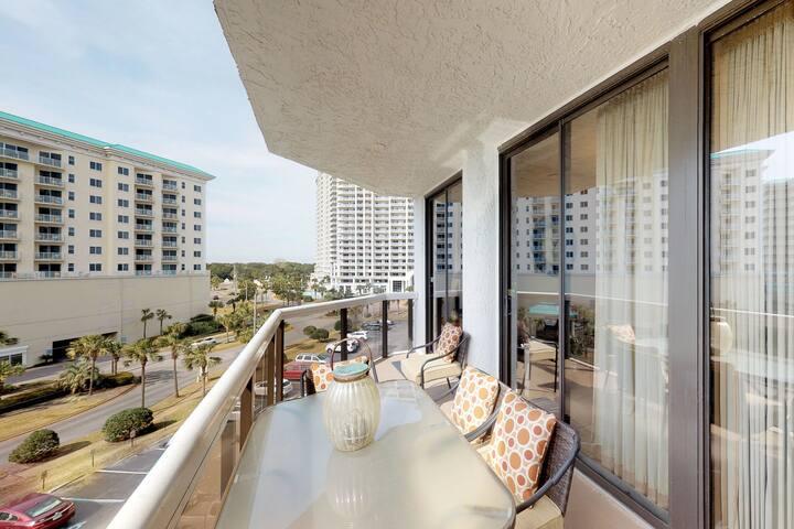 Sophisticated condo w/ Gulf views plus a shared pool, hot tubs, & beach access
