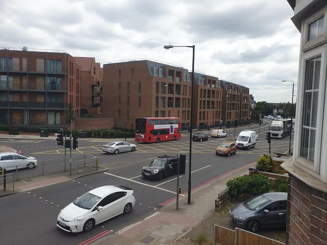 Large Studio for 4 Finchley Road