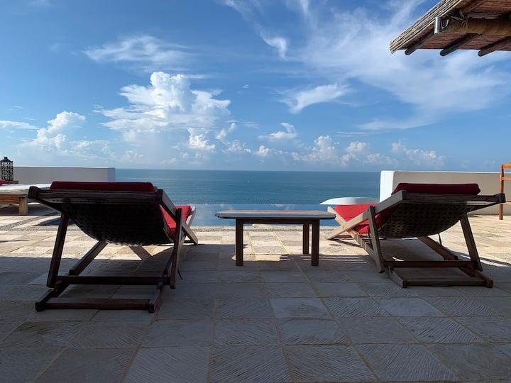 """Spectacular Reef Villa """"Calvillos Reef"""""""