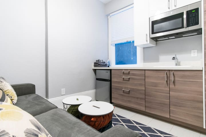 Charming Downtown Studio - Unit 112, Close to BART