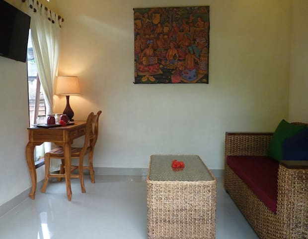 Nike House - 1 BR house in Balinese compound