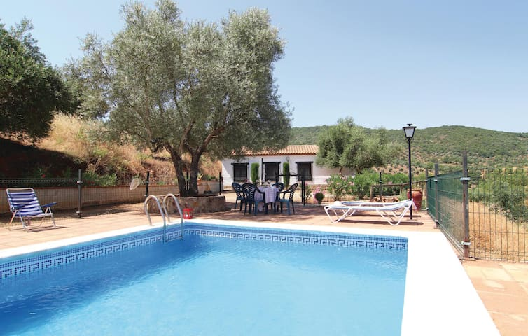 Holiday cottage with 4 bedrooms on 130 m² in Villanueva del Rey