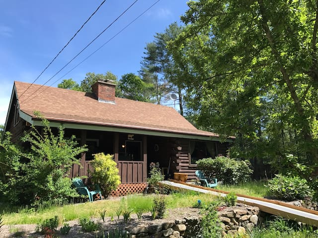 Charming Log Cabin on 5 Private Acres close to all