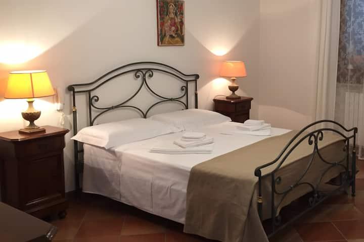 Stanza privata in Villa - P.CESAREO/T.LAPILLO