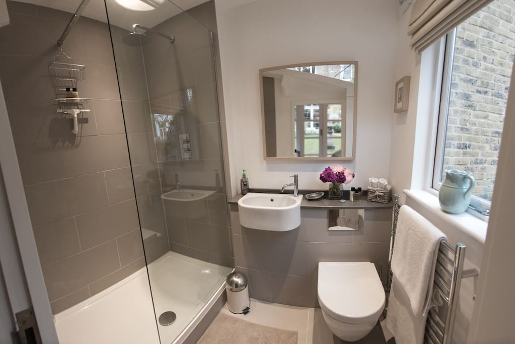 Luxury shower room, with plenty of hot water, excellent water pressure in the shower, heated towel rail