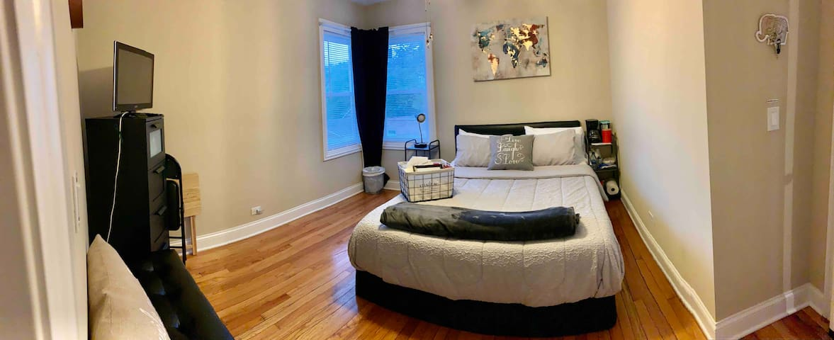 Special offer-private bedroom and bath  in Chicago