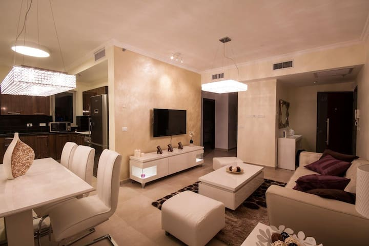 Luxury 3 bedroom apartment in Heart of Jerusalem!!