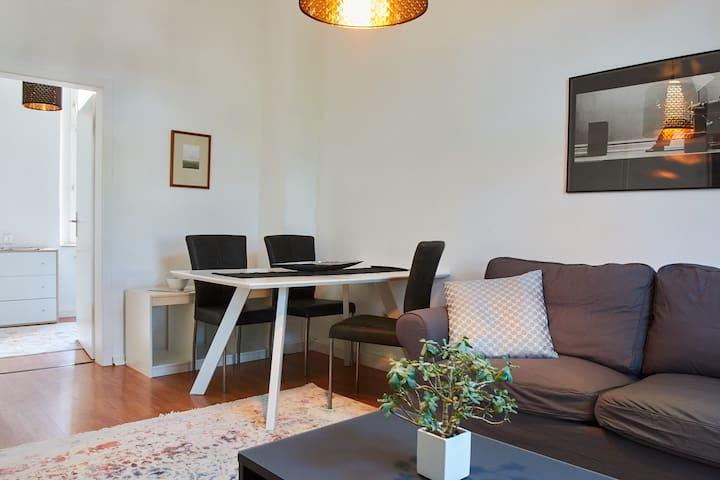 """Messe Appartement für Profis """"John"""""""