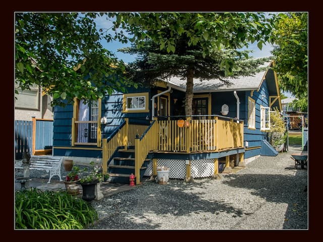 Unique one of a kind 2BR character home. - Nanaimo - Rumah
