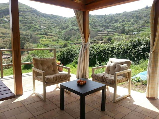 Casa de 800 metros de terreno y arboles frutales - Las Palmas da Gran Canária - Casa