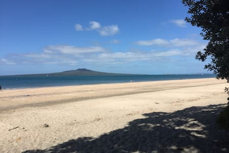 Central Takapuna Location - Auckland