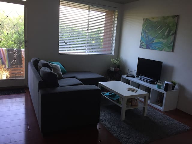 Beautiful room in Dee Why close to the beach! - Dee Why - Apartment